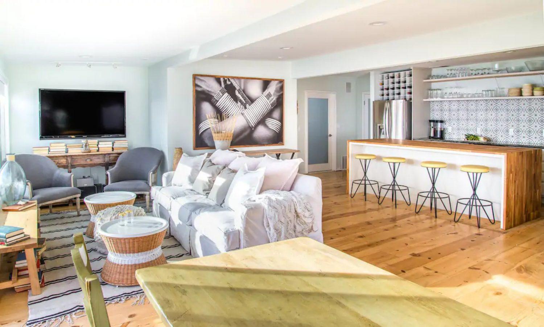Malibu Airbnb Netflix